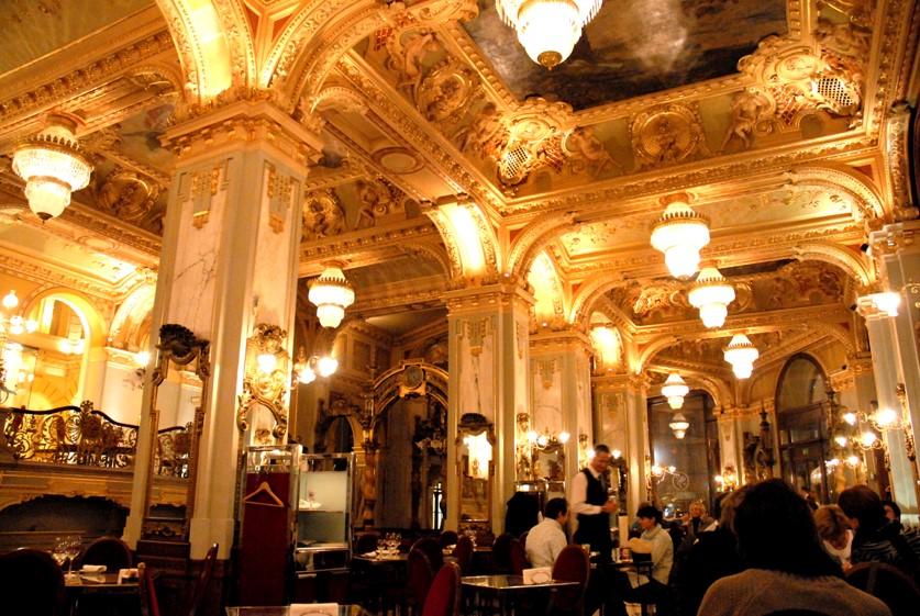 Intérieur du Café New York